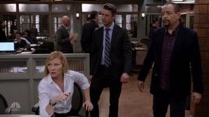 Law & Order: Special Victims Unit Season 18 : No Surrender