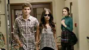Pretty Little Liars Season 2 : Eye of the Beholder