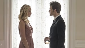 The Vampire Diaries Season 8 : The Simple Intimacy of the Near Touch