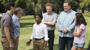 Modern Family Season 9 : Sex, Lies & Kickball