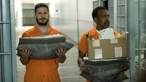 Brooklyn Nine-Nine Season 5 :Episode 1  The Big House Pt.1