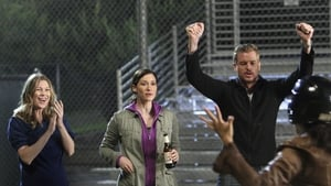 Grey's Anatomy Season 6 :Episode 3  I Always Feel Like Somebody's Watchin' Me