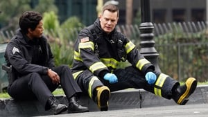 9-1-1 Season 1 :Episode 10  A Whole New You