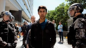 Cleverman 2×1