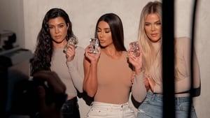 Keeping Up with the Kardashians Season 18 :Episode 5  Surprise, Surprise