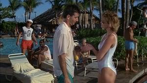 Captura de Loca academia de policía 5: Operación Miami Beach (1988)