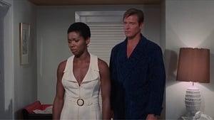 cattura di Agente 007 – Vivi e lascia morire