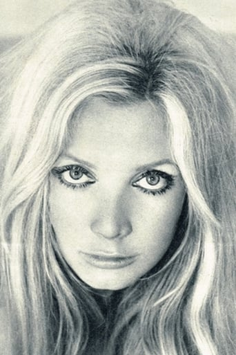 Image of Anna Gaël