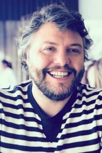 Image of César Mourão