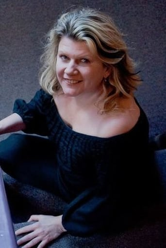 Image of Tracey Moore