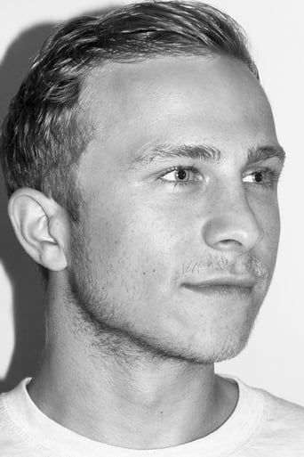 Image of Max Hubacher