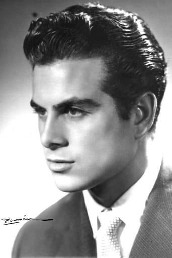 Image of Enrique Vera