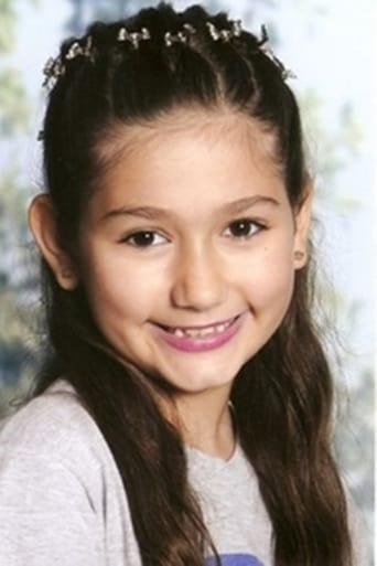 Image of Hannah Zeitoune