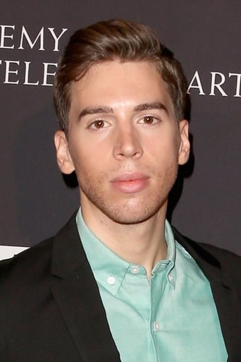 Image of Jordan Gavaris