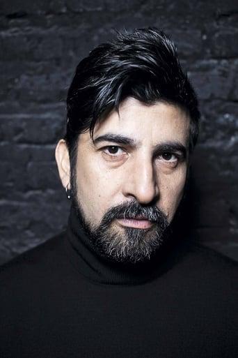 Roberto Farías