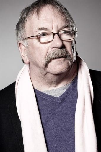 Image of Sam Kelly