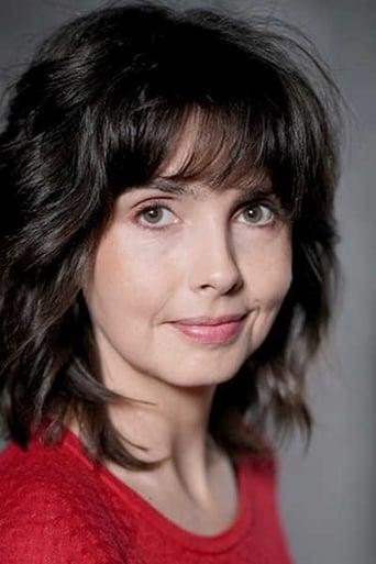 Image of Émilie Cazenave