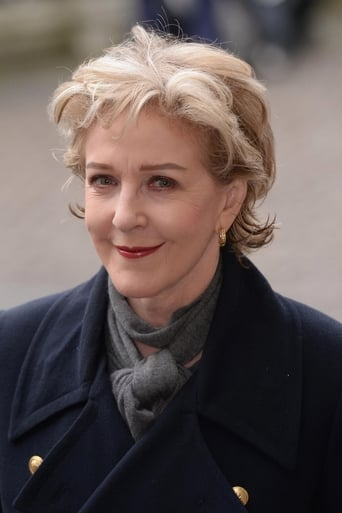 Image of Patricia Hodge