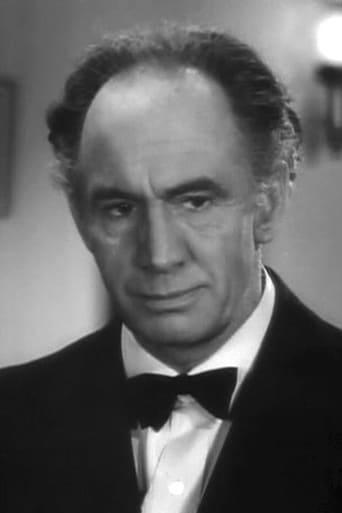 Image of Leonard Mudie