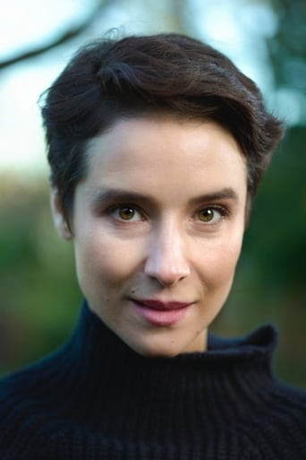 Image of Beatriz Romilly