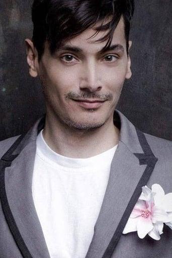 Image of Enrique Alcides