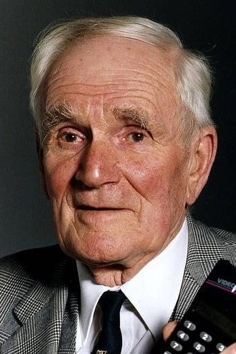 Image of Desmond Llewelyn