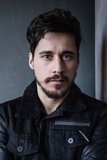 Image of Peter Gadiot