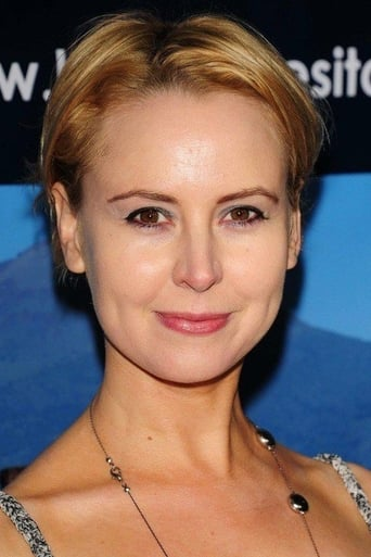 Image of Caroline Carver