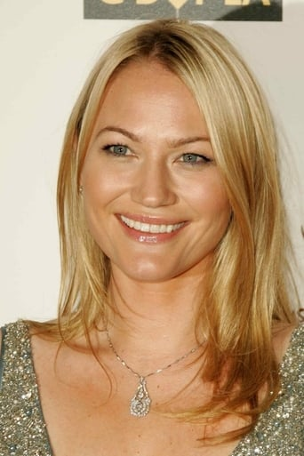 Image of Sarah Wynter