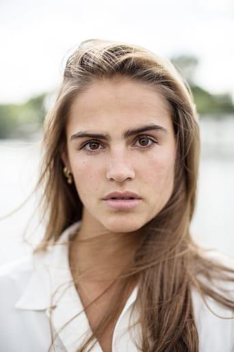 Image of Olivia Lonsdale
