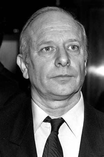 Image of Manuel Summers