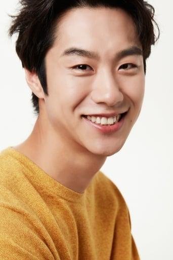 Image of Shim Hee-sub