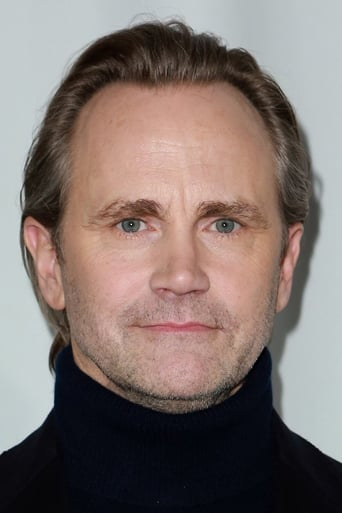 Image of Lee Tergesen