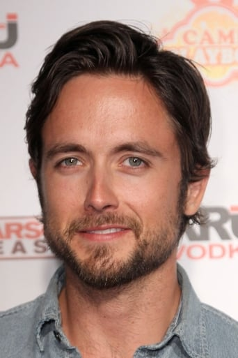 Image of Justin Chatwin