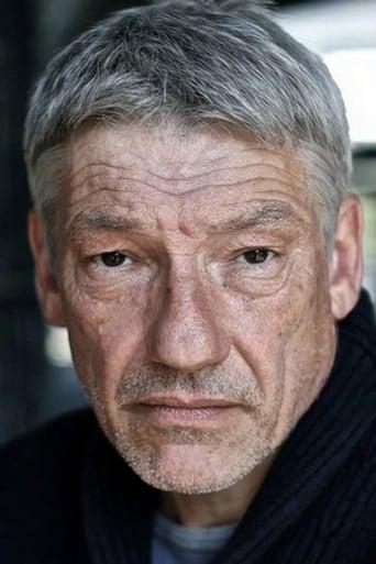 Simon Armstrong