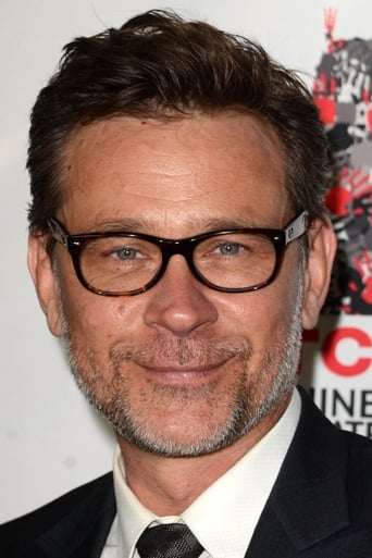Image of Connor Trinneer