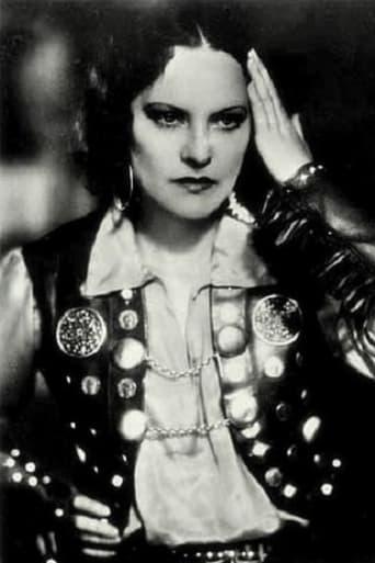 Image of Gina Manès