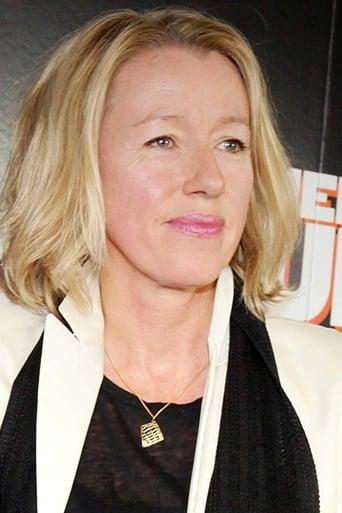 Elaine Constantine