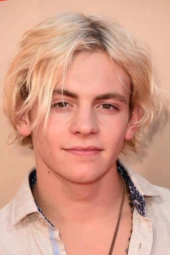 Image of Ross Lynch