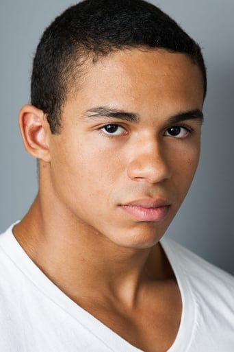 Image of Noah Gray-Cabey