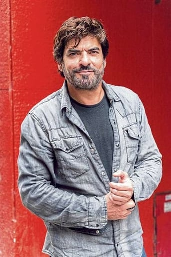 Image of Roberto Vallejos