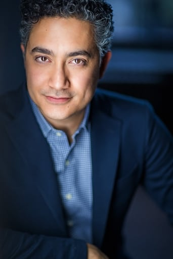Image of Alessandro Juliani