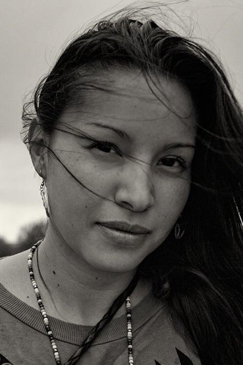 Nikki Lowe
