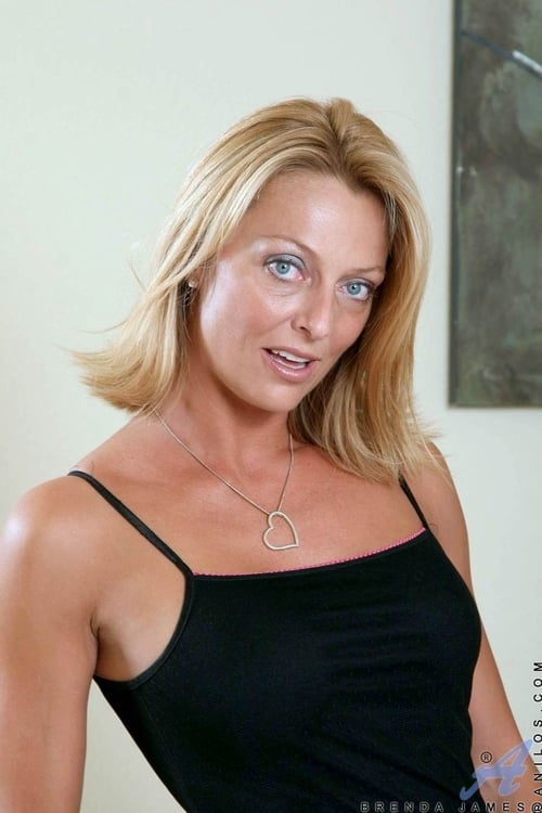 Brenda James is a hot porn actress from South Dakota. She's been in