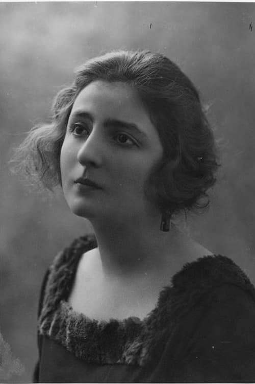 Hélène Darly