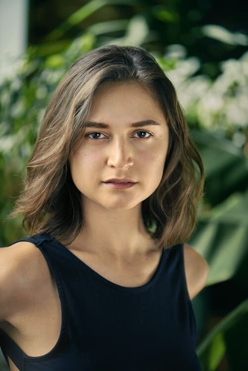 Isabella Nefar