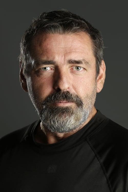Angus Macfadyen