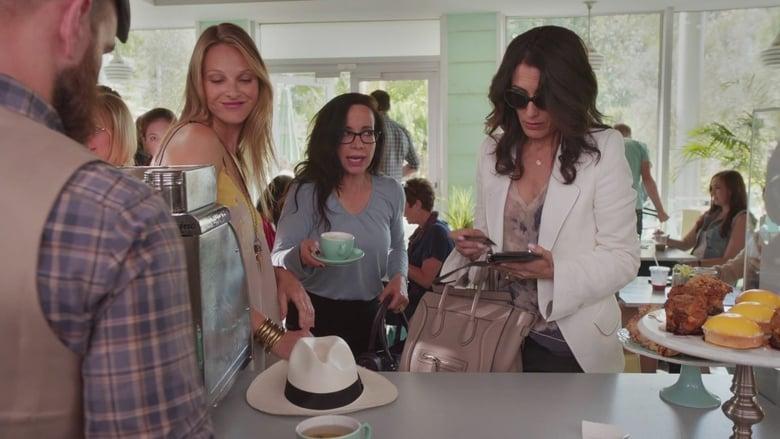 GIRLFRIENDS' GUIDE TO DIVORCE (Season 2)