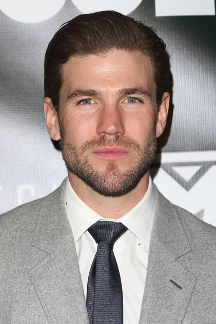 Austin Stowell profile picture