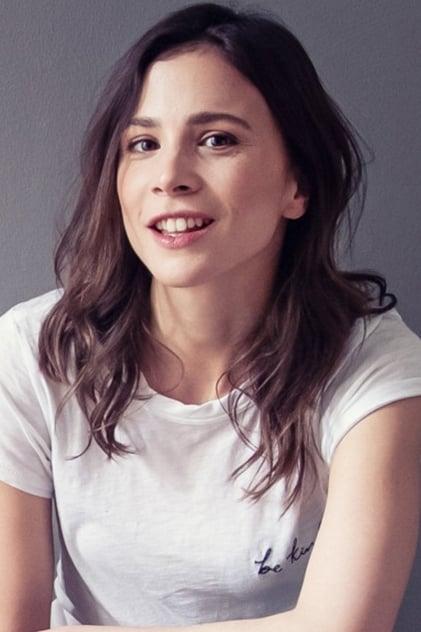 Aylin Tezel profile picture